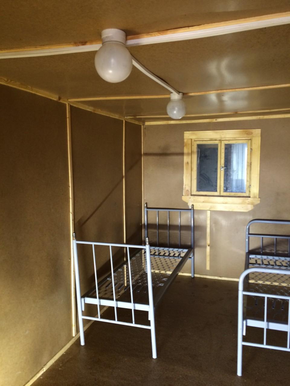 Стандартная вместительная бытовка внутри, купить в Самаре